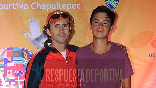 ALEX ALVAREZ Y BERNARDO MENESES SE TOMARON LA FOTO DEL RECUERDO