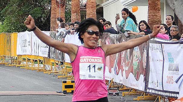 VICKY GARIBAY: Regresa a su esencia el Medio Maratón del San Javier club Privado.