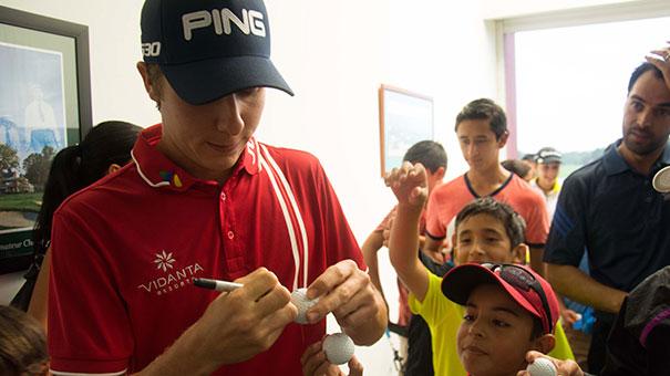 Carlos Ortiz, jugador PGA Tour, dio clínica en Mayakoba