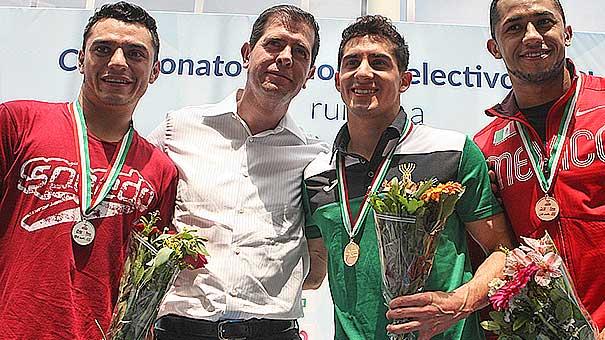 Clavadistas motivados por acercamiento con Alfredo Castillo