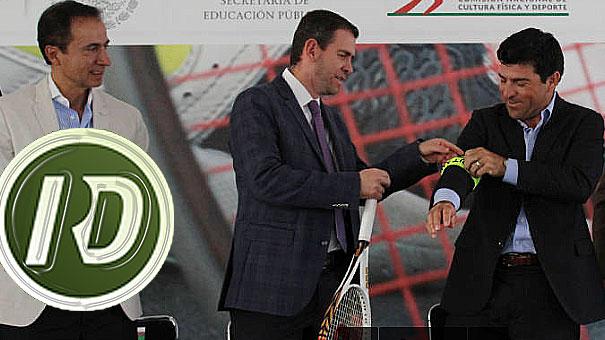 EL LIC. ALFREDO CASTILLO, ENTREGO EL GAFETE DE CAPITAN A  DAVID RODITI, NUEVO RESPONSABLE DE LA ESCUADRA COPA DAVIS
