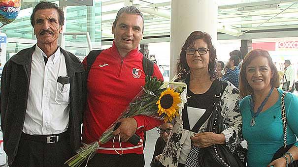 VICKY GARIBAY: Arriban primeros clavadistas olímpicos a Guadalajara.