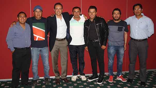 NOVENO CURSO DE ENTRENADORES: GREGORIO HIDALGO CON ENTRENADORES DEL CLUB ALEMÁN