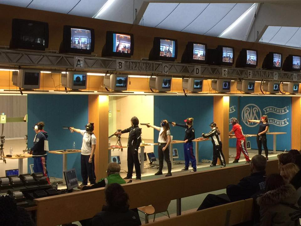 Karen Quezada gana bronce en Mundial