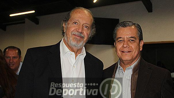 JESÚS TOPETE ORGULLOSO DE SANTIAGO GONZÁLEZ