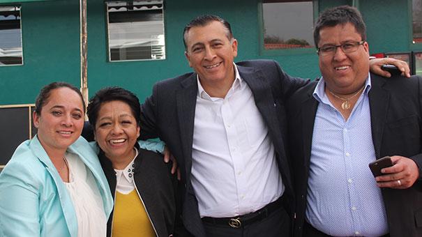 REYNALDO BOCHM Y EL EQUIPO DE TRABAJO DEL CLUB LA ASUNCIÓN