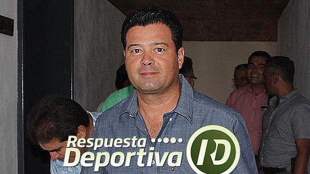 JUNTA DE CONSEJO FMT: MARIO CHÁVEZ, MUY METIDO CON SUS JUVENILES