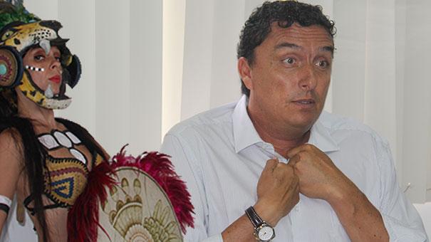 LEO LAVALLE AL FRENTE DE CETRO QUERETANO
