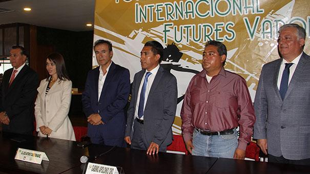 GLAMOROSA PRESENTACIÓN DEL FUTURE MÉXICO VI