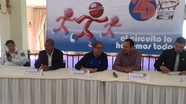 El CAI festeja sus 25 años y Gustavo Santoscoy fue el invitado de honor