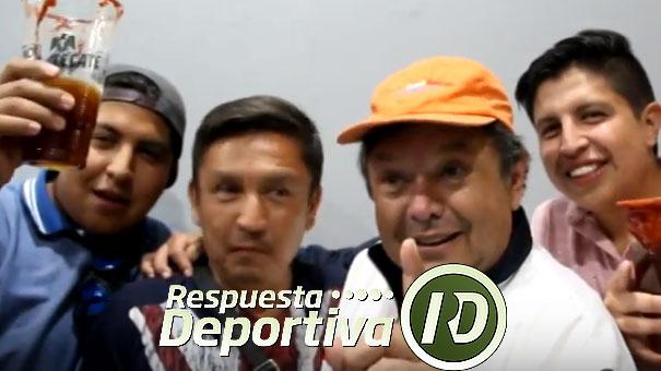 TOMATITO Y AMIGOS CERCA DE LEO LAVALLE CUANDO JUGÓ HANS HACH