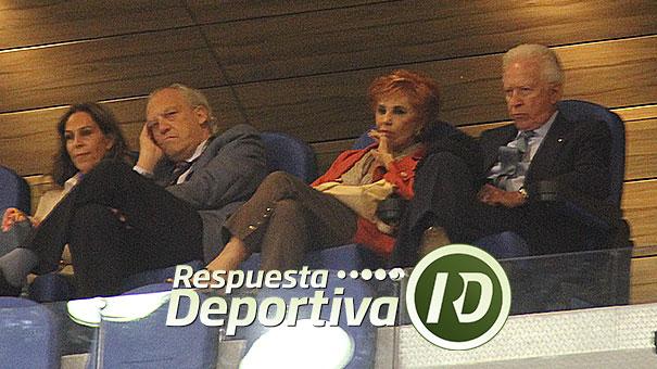 RAÚL MUÑOZ LEOS EN EL PALCO DE HONOR DEL CDCH