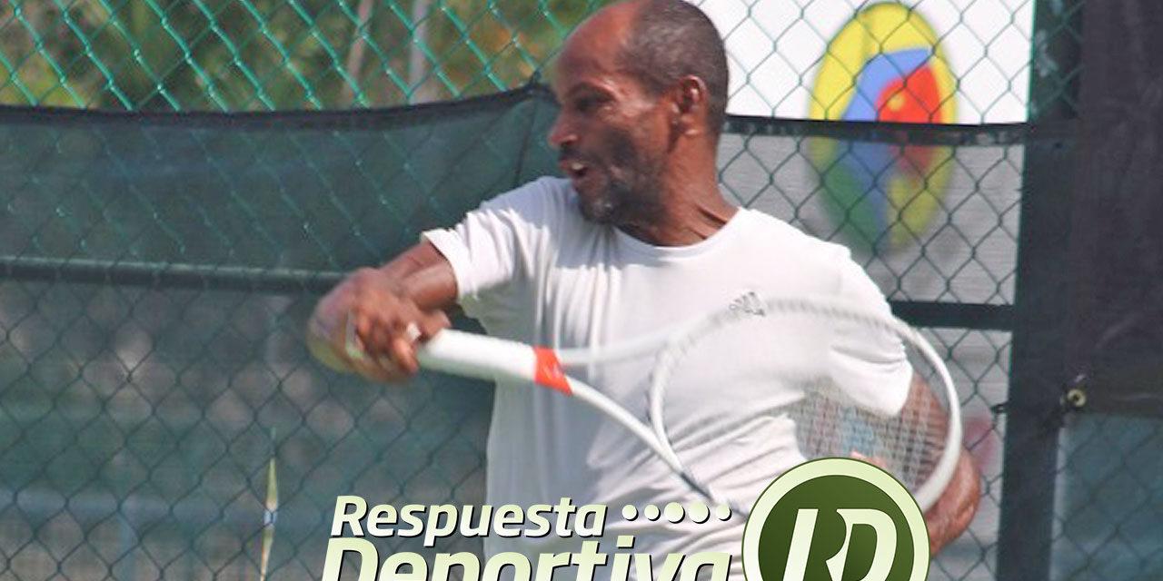 LÁZARO NAVARRO EL REY DE CANCUN TENNIS ACADEMY