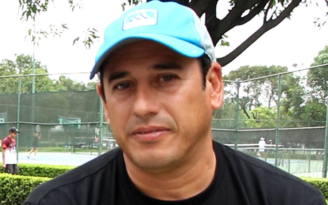 SIMPOSIO DE TENIS: EL TAMAULIPECO ESTUARDO PANAMEÑO ANTES DE SU LLEGADA A ZAPOPAN ASEGURA QUE LOS VISORES SON NECESARIOS