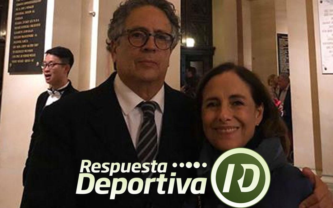 EL ESCULTOR JUAN MANUEL DE LA ROSA FESTEJÓ SU CUMPLEAÑOS EN VIENA
