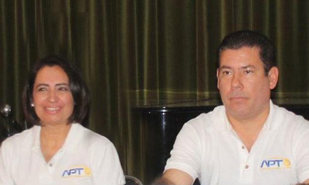 JOEL Y OLGA LIDIA AL FRENTE DE LA PRESENTACIÓN DEL NACIONAL DE SEMANA SANTA