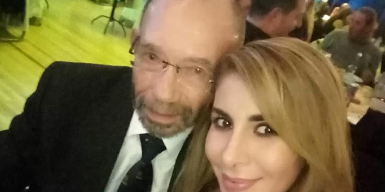 CAMPEÓN VETERANO DE 69 AÑOS LLEGÓ ACOMPAÑADO POR BELLA Y JOVEN MUJER A LA CENA DE CAMPEONES DEL GRADO A